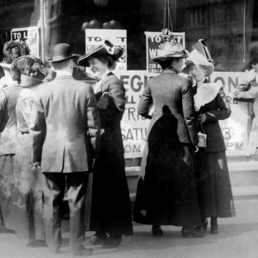 Women Register to Vote in San Francisco, October 1911