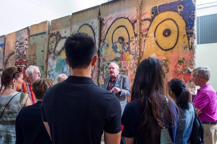 Newseum Private Tours, Berlin Wall Gallery